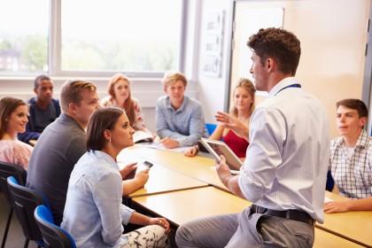 كلاس هاي زبان free discussion