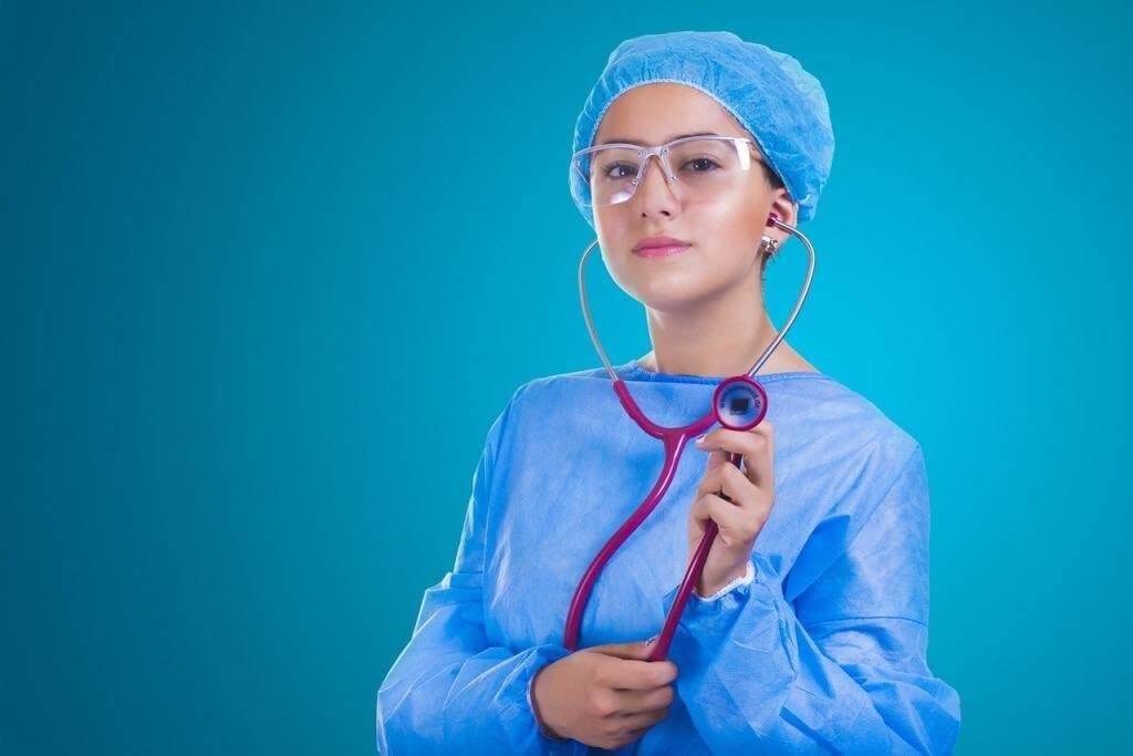 آزمون آیلتس یا OET برای پرستاران