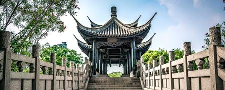 ویژگیهای زبان و گرامر چینی